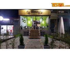 Le Menny's