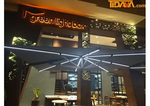 tidama Restaurant:Green Light Box